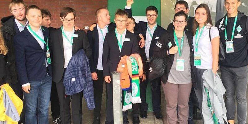 Teilnehmer*innen des inklusiven Volunteer Programms beim SV Werder Bremen