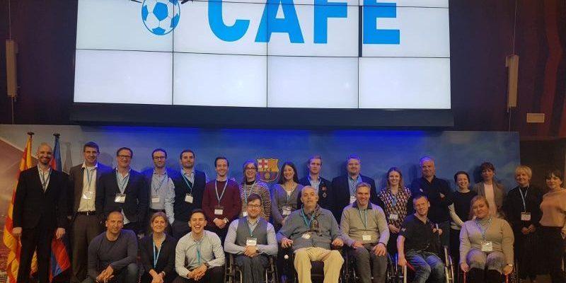 DAO Netzwerktreffen Barcelona Gruppenbild mit CAFE Logo