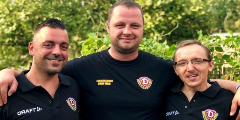 Die drei ehrenamtlichen Kommentatoren des Blindenradios von Dynamo Dresden
