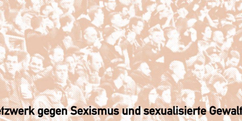 """""""Netzwerk gegen Sexismus und sexualisierte Gewalt""""-Schriftzug im Vordergrund. Im Hintergrund sind verschwommen Fußballfans in einem Stehplatzberich zu sehen."""