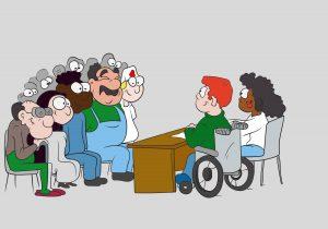 Vorne an Tisch sitzen zwei Menschen, einer davon im Rollstuhl, eine auf einem Stuhl. Links im Bild ist ein aufmerksames Publikum aus mehreren Menschen zu sehen.