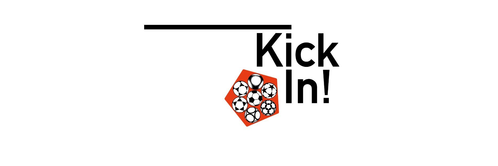 Schwarzes KickIn!-Logo auf weißem Hintergrund mit orangenen Fußbällen.